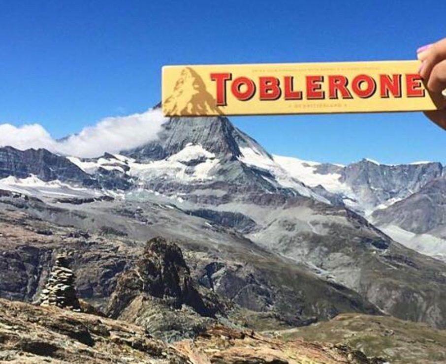 Toblerone adalah coklat berasal dari Switzerland mengambil inspirasi dari Gunung Matterhorn