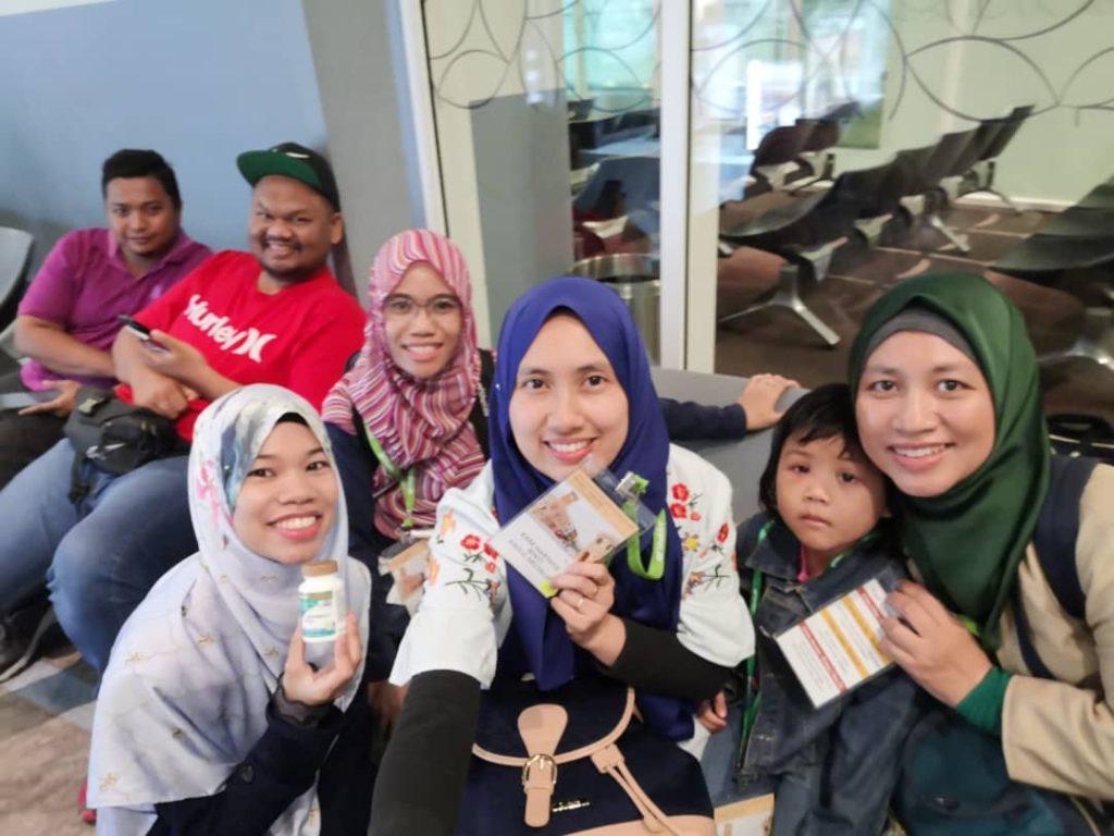 Team saya #TeamJutawan semasa menunggu flight