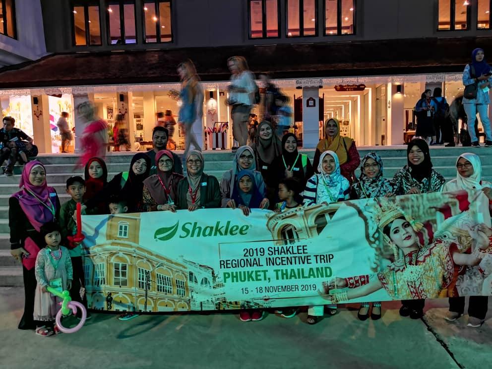 Bergambar kenangan dengan semua #TeamJutawan yang layak ke Trip Shaklee Phuket 2019